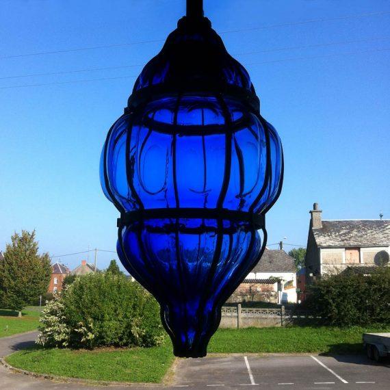 Lanterne en verre bleu nuit pour la ville de Valenciennes réalisées par le Mître Verrier Olivier Juteau