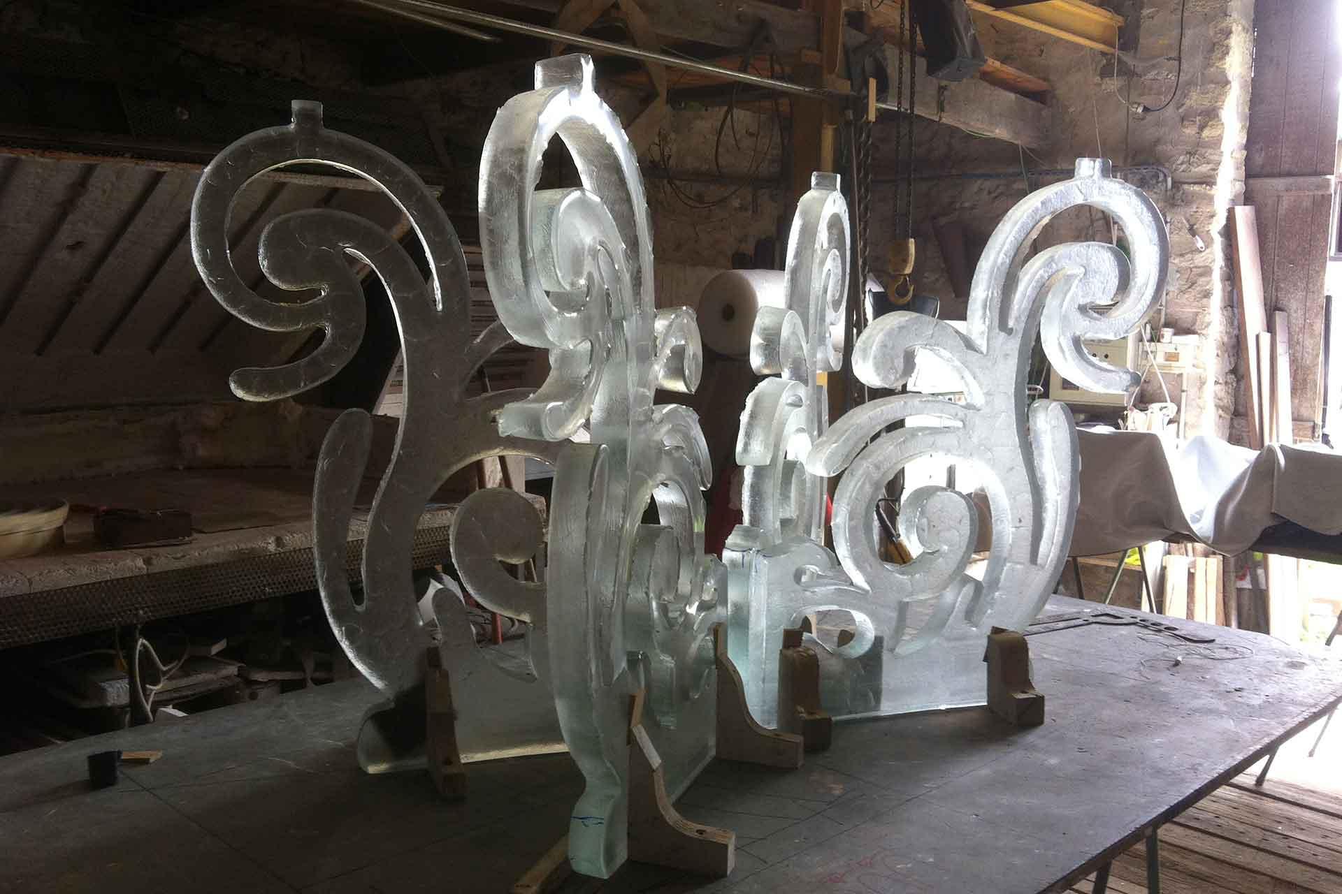Fabrication de l'autel en cristal de la paroisse de Martigues Maître Verrier Olivier Juteau