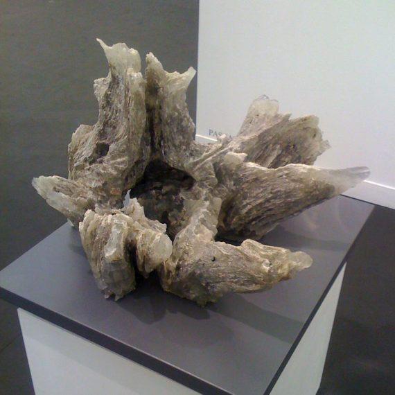 Sculpture souche d'arbre en verre réalisée par Maitre Verrier Olivier Juteau