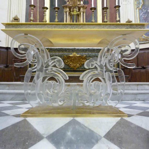 Artiste Verrier fabrication d'un autel en cristal pour l'église de la Madeleine, paroisse de Martigues - Maître Verrier Olivier Juteau